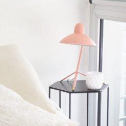 lámpara-de-escritorio-Julia-uso